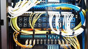 建設業許可:電気通信工事業で許可を取りたい!